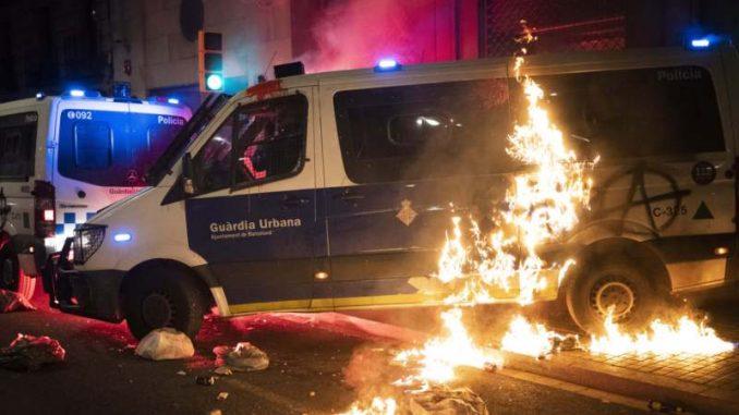 Ponovo nasilje na protestu u Barseloni zbog hapšenja repera 5