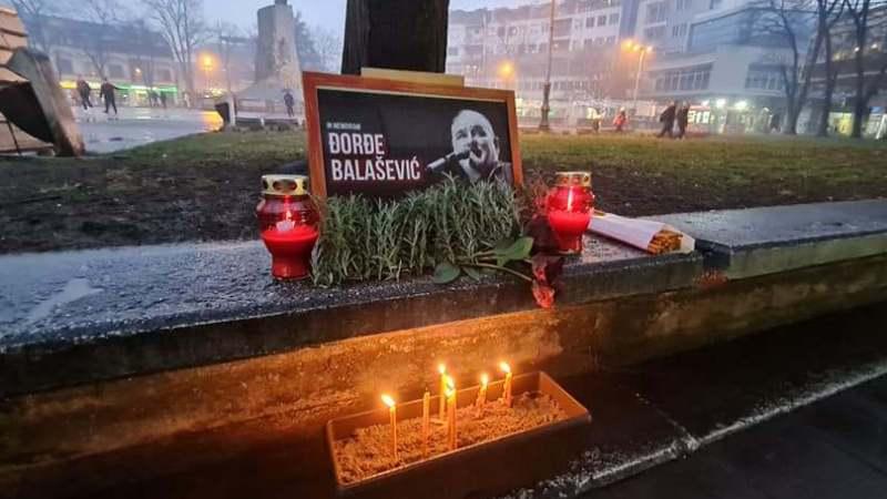 Građani Srbije i regiona i večeras pale sveće za Balaševića (FOTO, VIDEO) 10