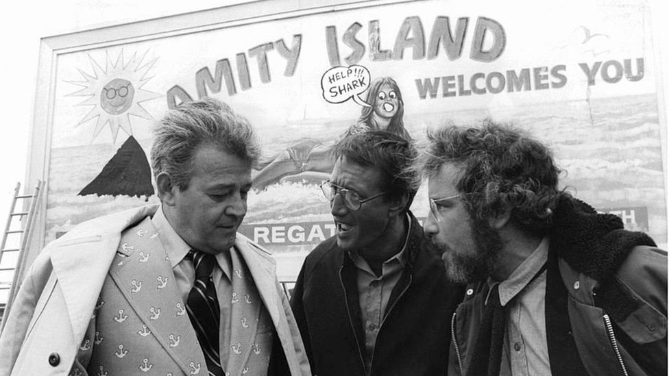 Scene of Jaws in which the mayor Larry Vaughn, played by actor Murray Hamilton (left)