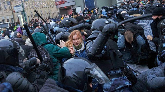 """Rusija, Putin, Navaljni i tehnologija: Učesnike demonstracija pronalazi """"Veliki brat"""" 2"""