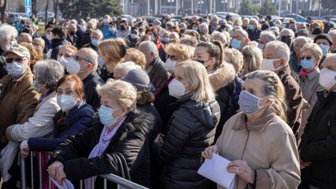 Korona virus: U Srbiji dato više od miliona doza vakcine, počelo međunarodno ispitivanje Sputnjik lajt injekcije 3