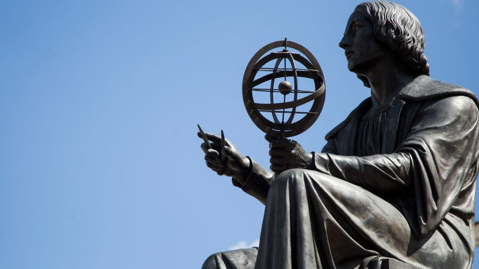 Spomenik Koperniku u Varšavi
