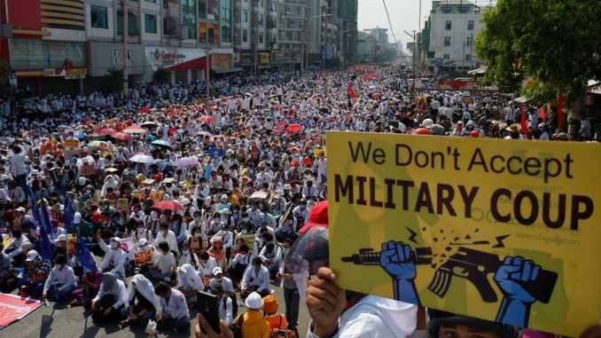 Državni udar u Mjanmaru: Protesti nastavljeni uprkos pretnjama vojske da će upotrebiti silu 3