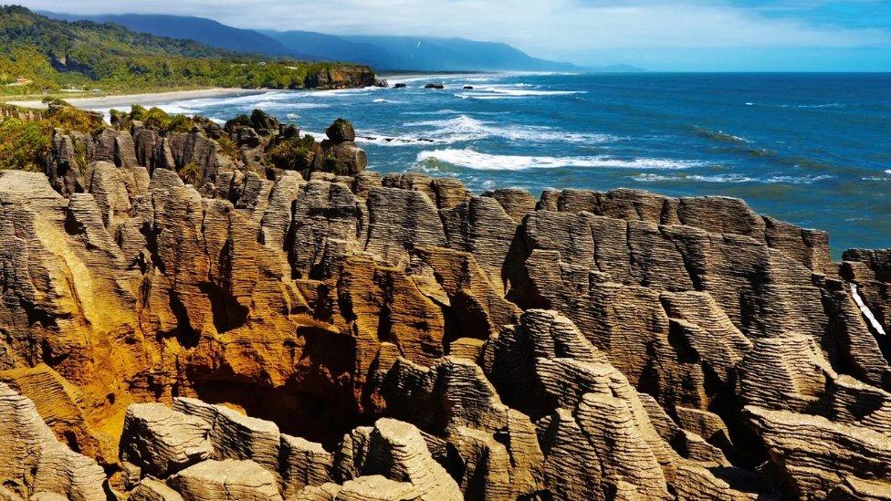 Novi Zeland je jedna od najviših tačaka Zilandije, nakon što je pogurana gore pomeranjem tektonskih ploča