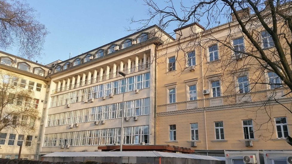 Stara i nova zgrada Zemunske bolnice
