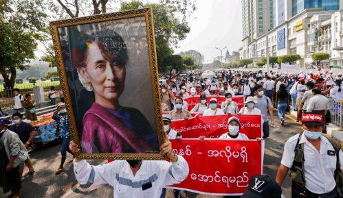 Devojčica najmlađa žrtva represije u Mjanmaru 8