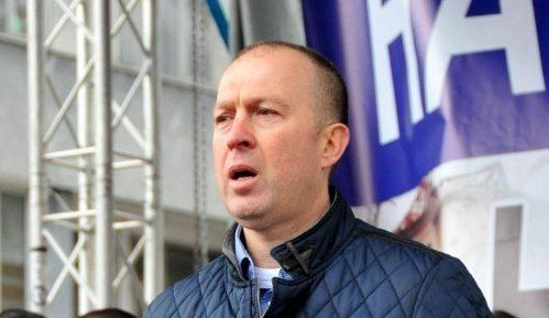 Bratislav Dikić: General kod kuće 1