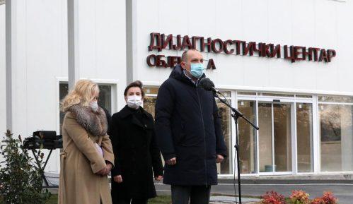 Bolnica u Batajnici 20 odsto skuplja nego što tvrdi Vučić 10
