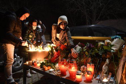Novi Sad se oprašta od svog Đoleta u suzama i tišini:Bio je odraz naše duše (FOTO) 7