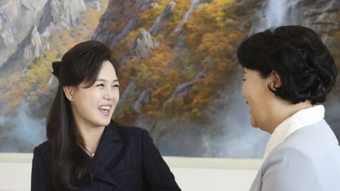 Kimova žena u javnosti posle dužeg vremena 4