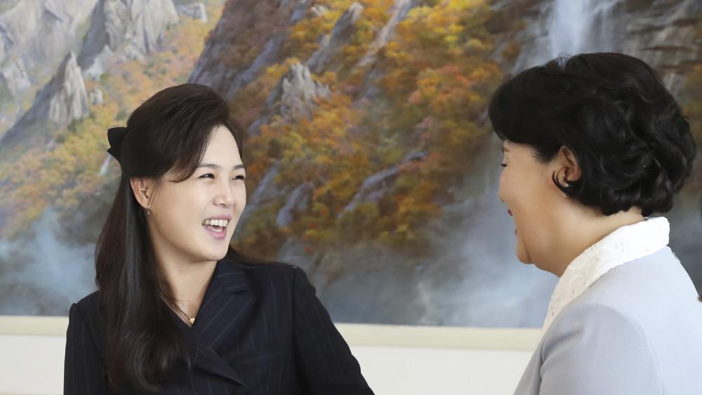 Kimova žena u javnosti posle dužeg vremena 1