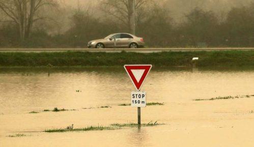 U Francuskoj zbog poplava evakuacije stanovnika 1