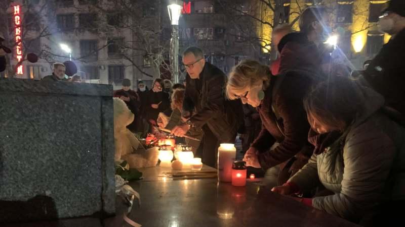 Građani Srbije i regiona i večeras pale sveće za Balaševića (FOTO, VIDEO) 1