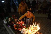 Novi Sad se oprašta od svog Đoleta u suzama i tišini:Bio je odraz naše duše (FOTO) 8