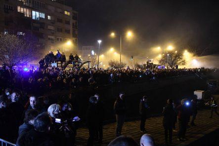 """Na novosadskom keju večeras """"Noć kad je Đole preplivao Dunav"""" (FOTO) 10"""