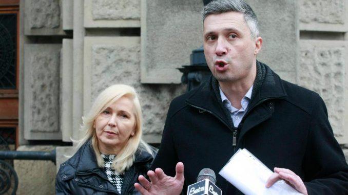 Dveri: Mere pomoći Vlade Srbije neselektivne i nepravedne 3