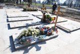 Đorđe Balašević sahranjen uz zvuke tambure (FOTO) 4