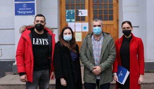 """Mozzart donirao tehničku opremu Medicinskoj školi """"Beograd"""" 2"""