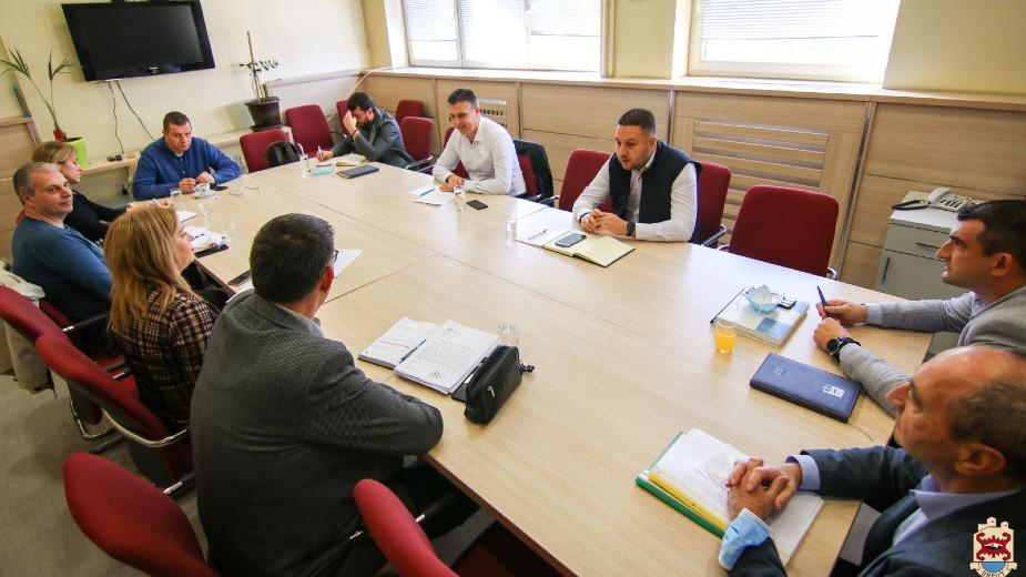 Rukovodstvo Pirota sa predstavnicima Kancelarije za upravljanje javnim ulaganjima o projektima 1
