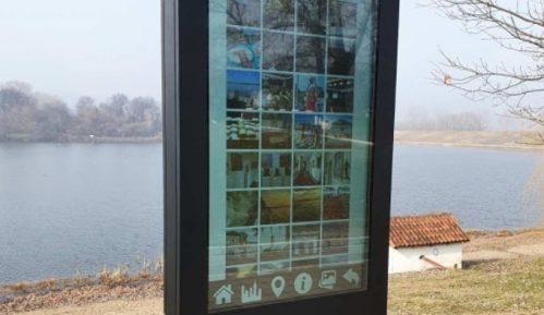 Postavljena interaktivna tabla za informisanje turista na Srebrnom jezeru 1