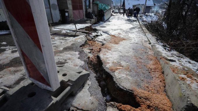 Građani užičkog naselja godnama čekaju da se reši problem klizišta 1