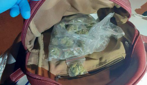 MUP: Zaplenjeno više od 400 grama marihuane, uhapšeno pet lica 6