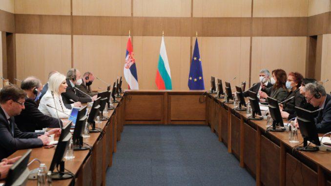 Mihajlović sa ministarkom energetike Bugarske: Gasna interkonekcije u maju 2022. 5