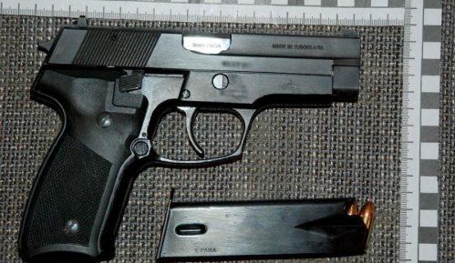 Uhapšeni zbog proizvodnje droge i posedovanja oružja 15