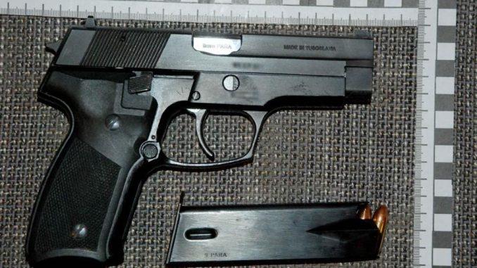 Uhapšeni zbog proizvodnje droge i posedovanja oružja 8