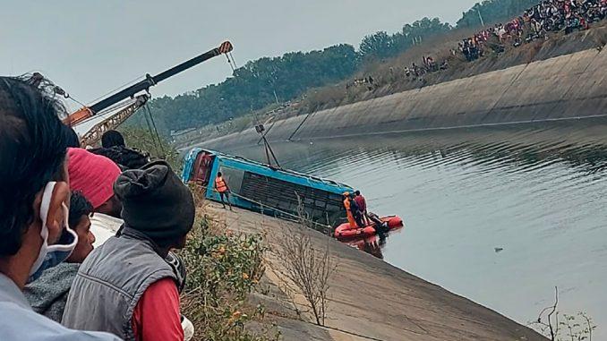 U autobuskoj nesreći u Indiji stradalo 40 ljudi 5