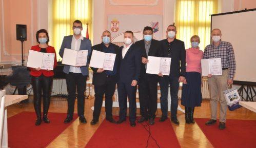 Veliko Gradište: Uručene nagrade zaslužnim lekarima 7