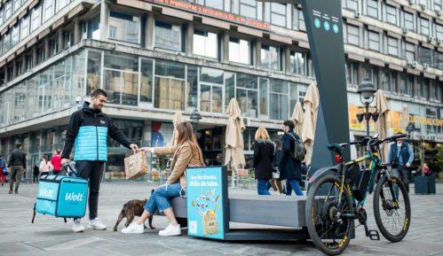 Inovacije na Trgu Republike - pametne klupe za čistiji Beograd 3