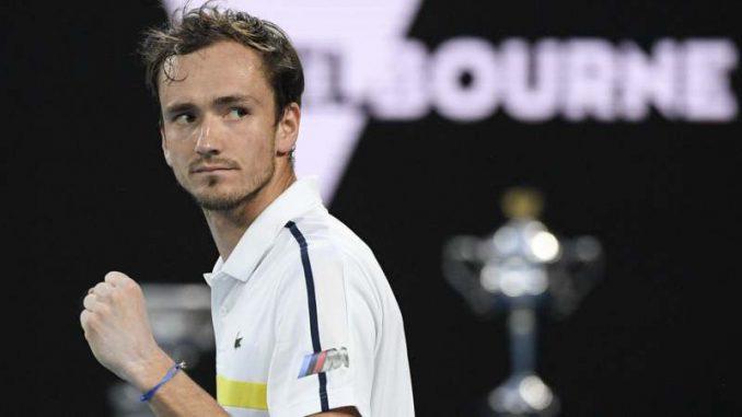 Medvedev bolji od Cicipasa, za titulu u nedelju sa Đokovićem 3