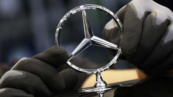 Mercedes povlači vozila zbog greške u sistemu za pozive u hitnim slučajevima 3