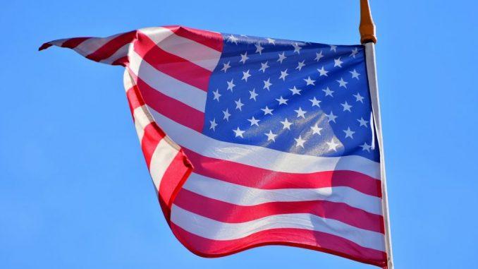 U SAD od danas spuštanje zastava na pola koplja zbog gotovo 500.000 umrlih 3