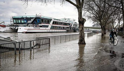 Sneg se topi, pada kiša, poplave u Nemačkoj 8