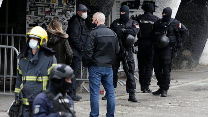 Demokrate Srbije pozvale da se ne prikazuju slike i snimci ubistava 5