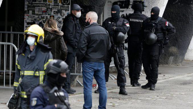 Demokrate Srbije pozvale da se ne prikazuju slike i snimci ubistava 3
