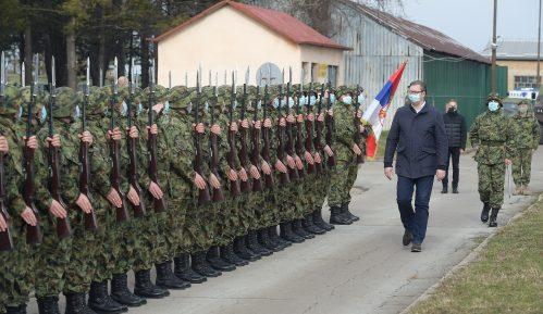 Vučić čestitao Dan Vojske Srbije 9