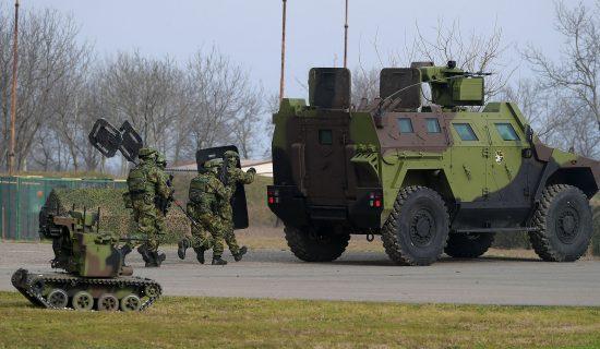 Oslobođenje: Vojnik poginuo na Pešteri tokom snimanja promocije trgovaca oružjem 12