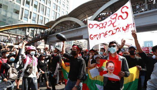 Demonstracije u Mjanmaru uprkos upozorenjima UN na opasnost od mogućeg nasilja vlasti 11