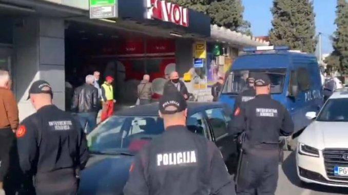 Protest u Tuzima zbog zabrane rada ugostiteljskih objekata (VIDEO) 1