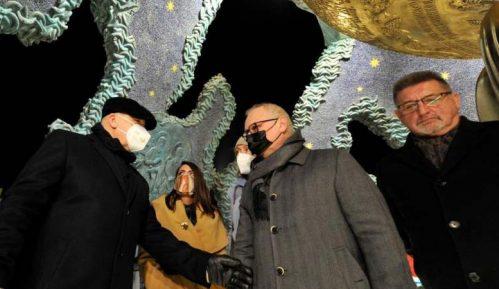 Vesić i Rukavišnjikov obišli spomenik Stefanu Nemanji 4