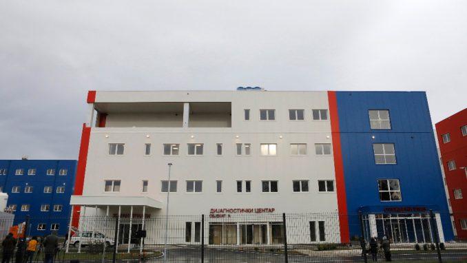 Građevinske dozvole ima jedino u Vučićevoj izjavi 3