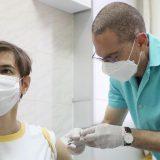 Uspešna vakcinacija nije kada političari zavrnu rukav 10
