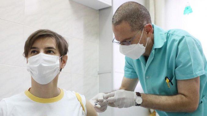 Uspešna vakcinacija nije kada političari zavrnu rukav 1