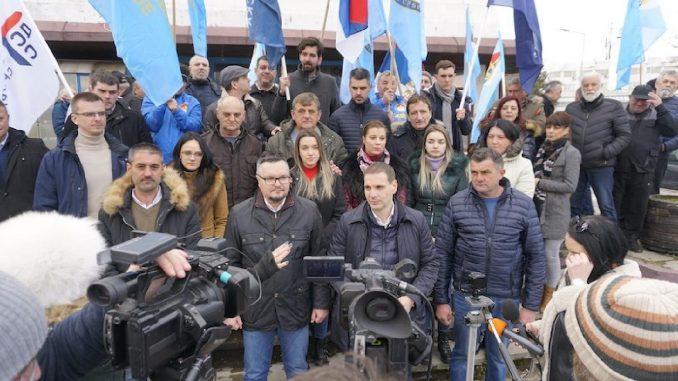 Vučić kao posrednik u dijalogu treba da podnese ostavku u partiji 1