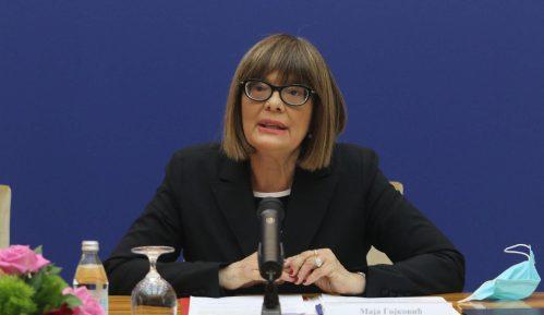 Ministarka Gojković ćuti na tabloidni progon novinara 12
