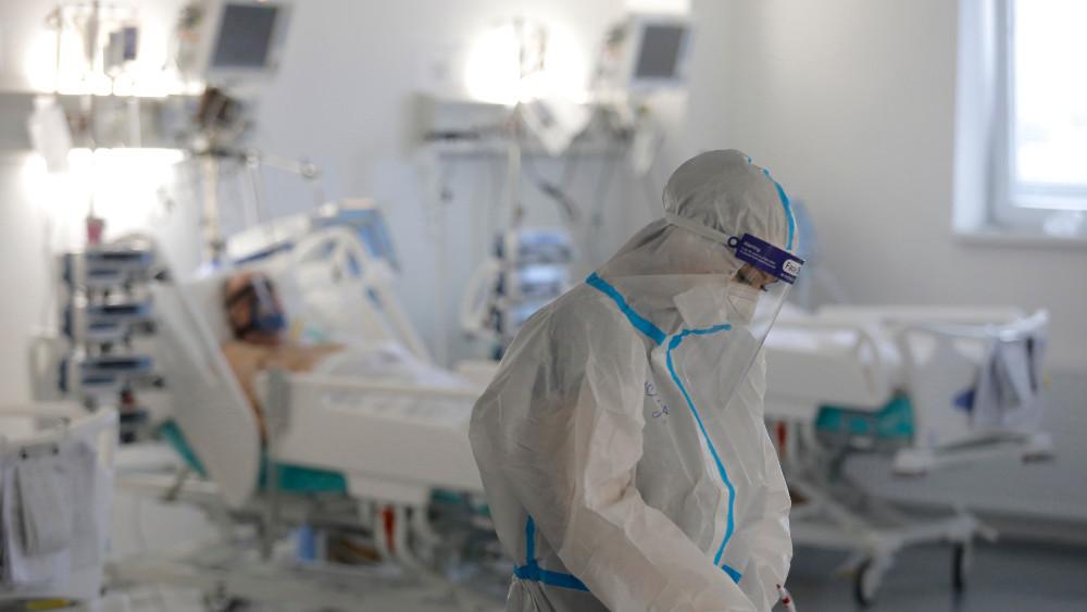 Stijačić: Scene iz bolnica podsećaju na ratne filmove, a ljudi igraju kolo 1