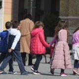 U 2020. o skoro polovini dece mlađe od tri godine u EU brinuli isključivo roditelji 11